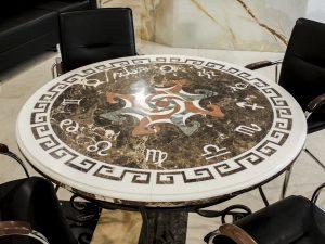 стол из камня