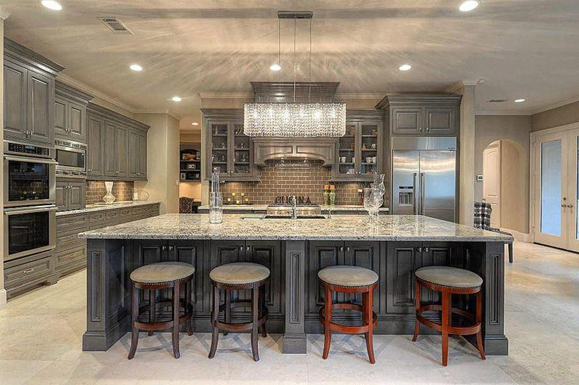 Выбираем материал для кухонной столешницы: гранит против мрамора
