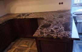 столешница из натурального мрамора на кухню