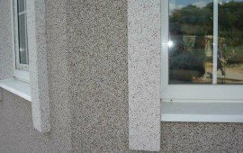 Мраморная крошка в отделке здания
