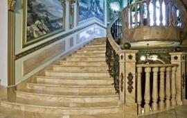 Мраморные и гранитные лестницы